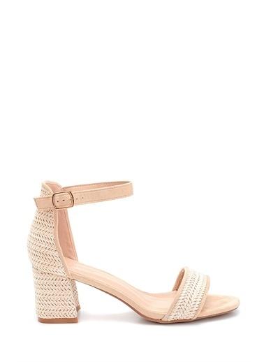 Derimod Kadın Hasır Detaylı Topuklu Sandalet Bej